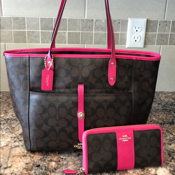 ‼️SALE‼️ Coach tote and wallet